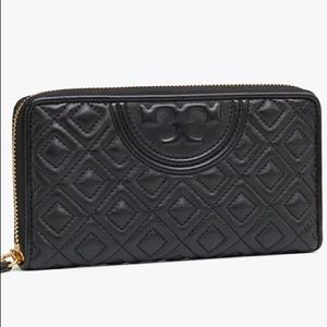 Tory Burch Quilted wallet Black